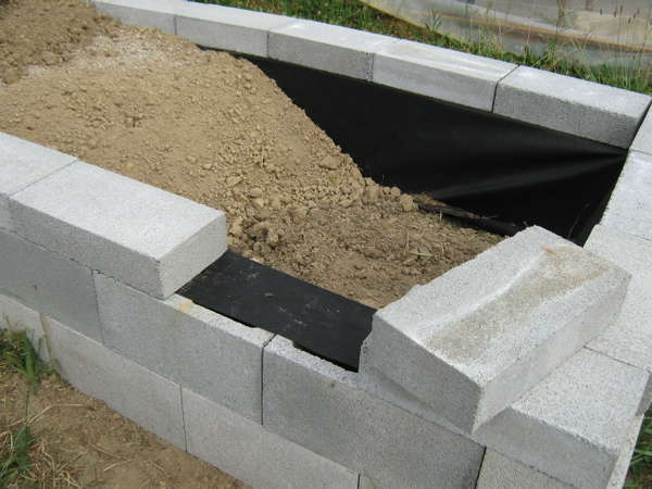 Construction of concrete block garden bed
